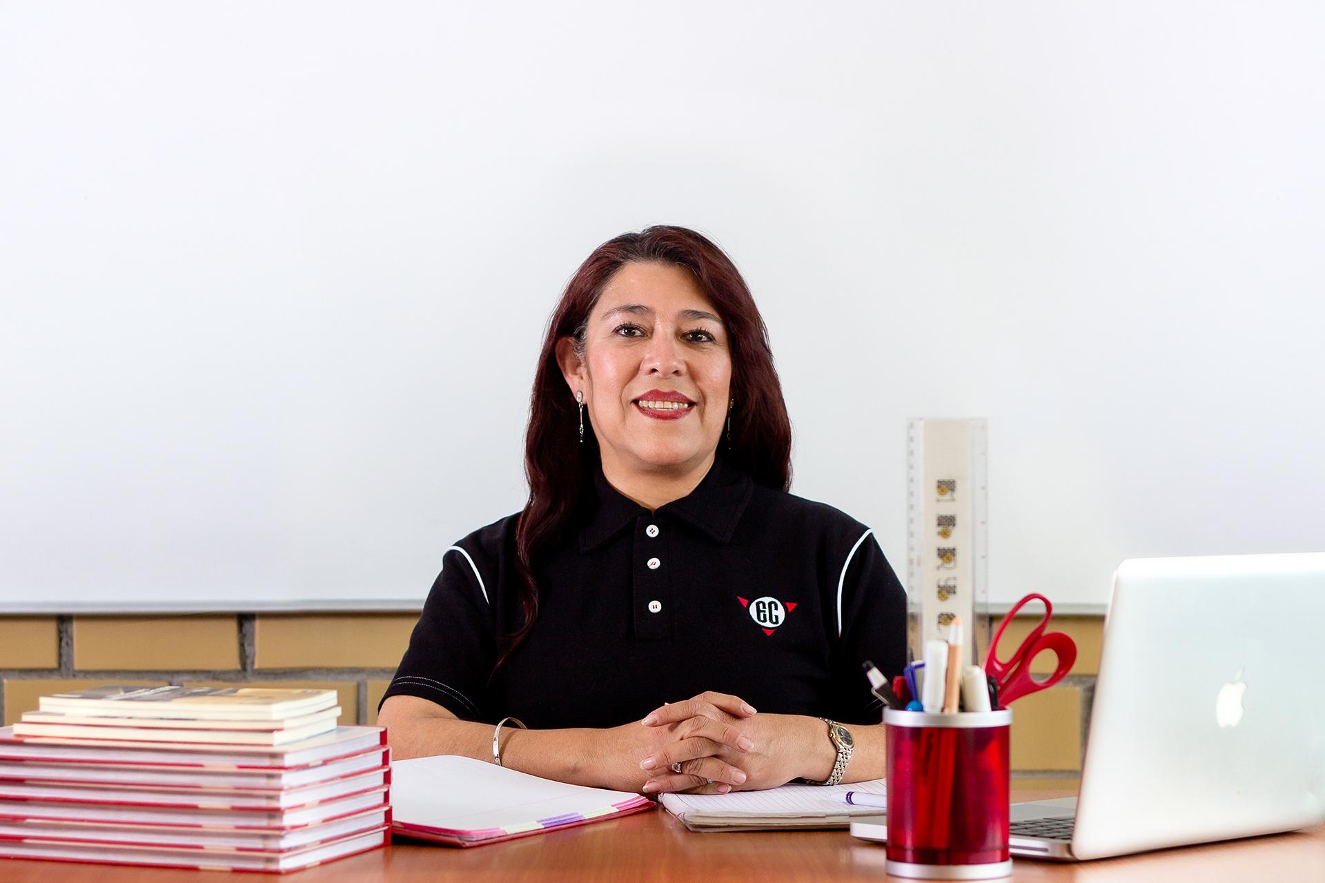 Nora Téllez Hernández - Maestra de Español Primaria